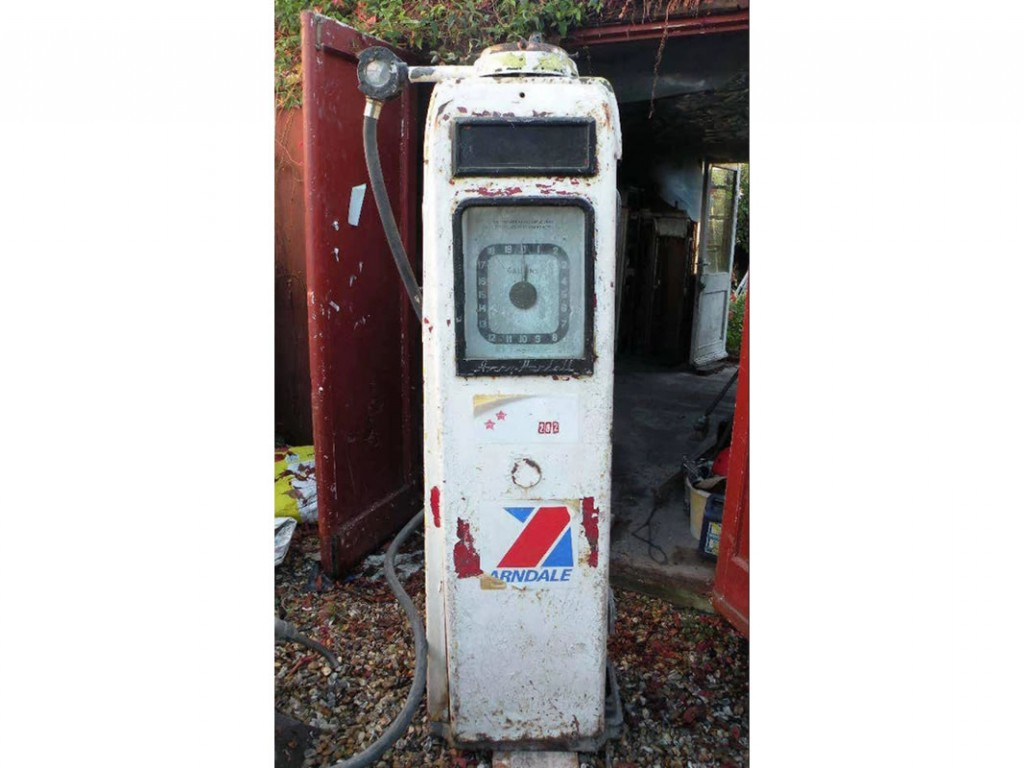 Unrestored Avery Hardoll Petrol Pump