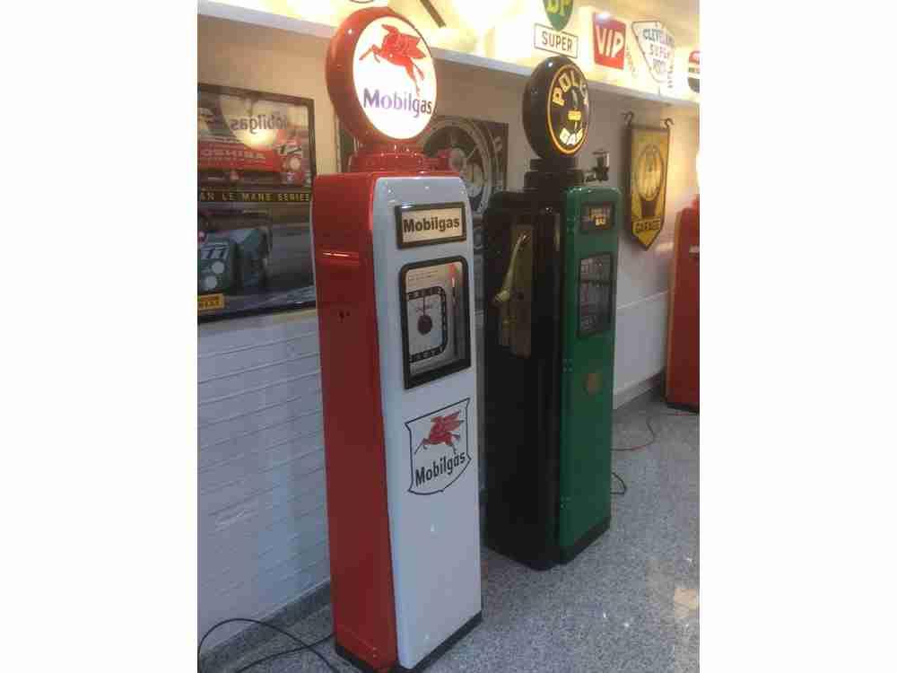 UK Restorations's Restored Avery Hardoll and Wayne 70 Petrol Pumps