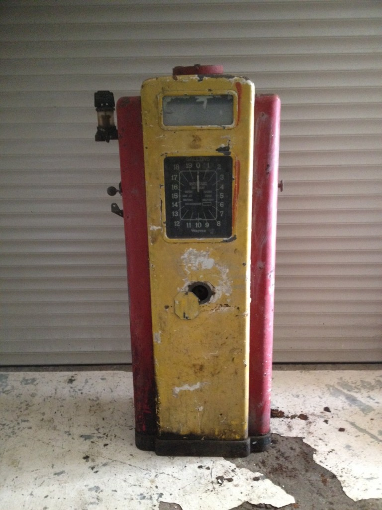 Unrestored Wayne 70 Petrol Pump