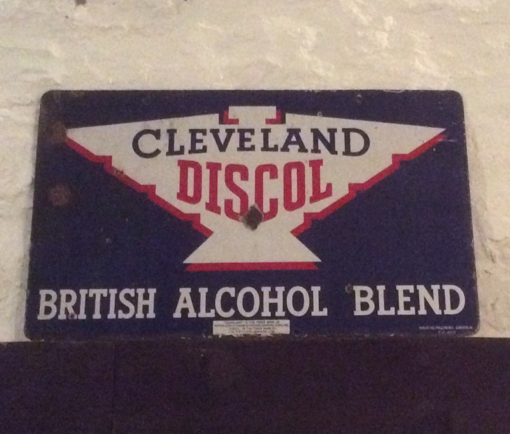 Cleveland Discol British Alcohol Blend Sign