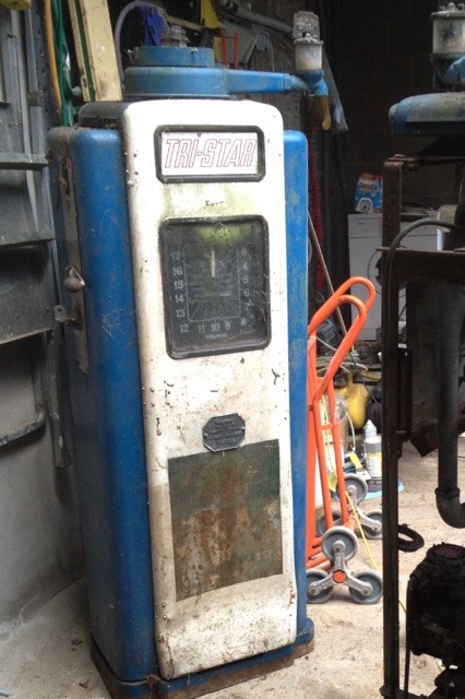 Unrestored Wayne 70 Petrol Pump