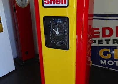 Wayne 70 Petrol Pump in Shell Livery