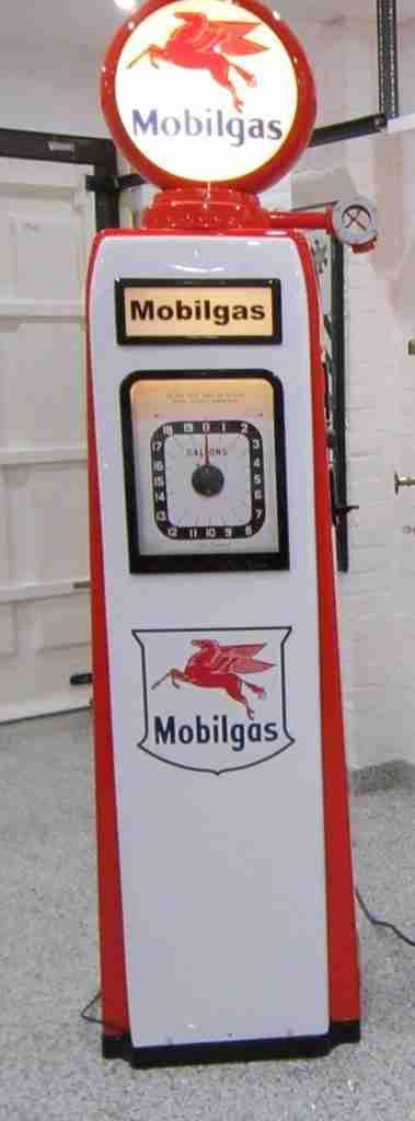 UK Restoration's Avery Hardoll 101 Petrol Pump