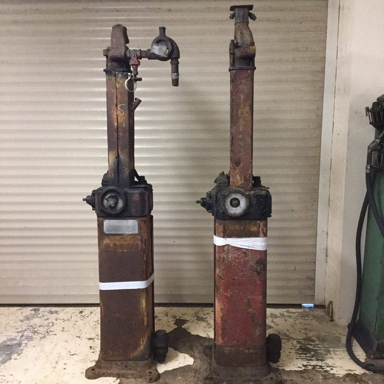 1922 Bowser Chief Sentry Petrol Pumps