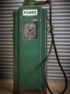 UK Restoration's Unrestored Wayne 70 Petrol Pump