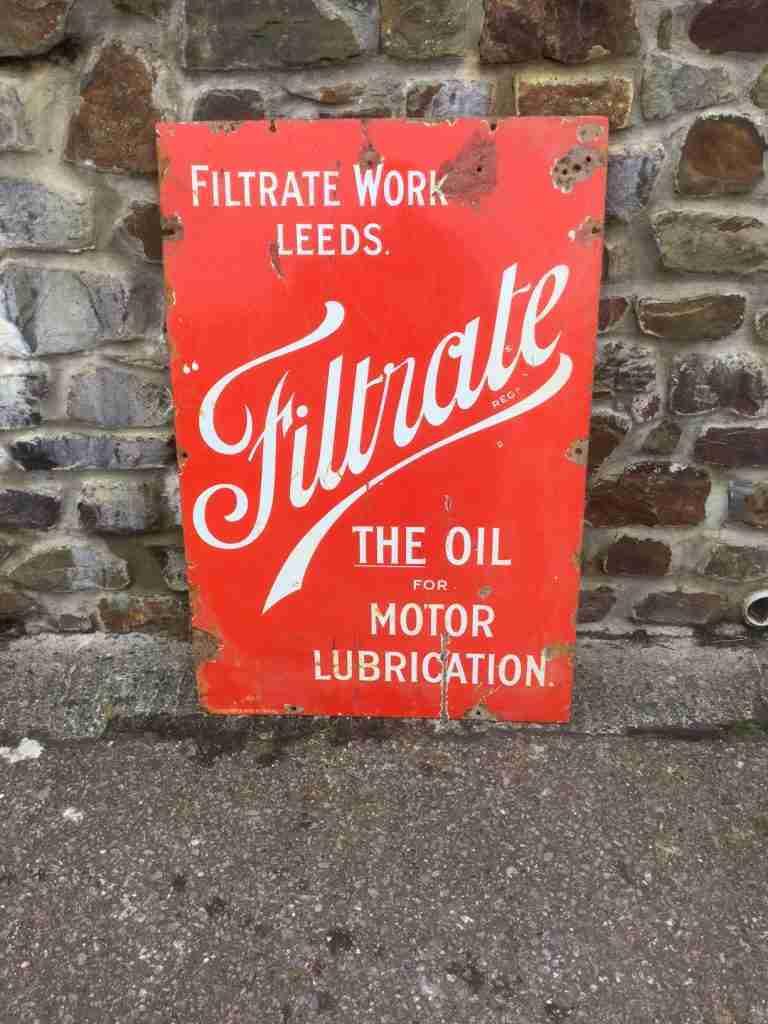 LEEDS filtrate motor oil sign