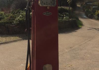 vintage red beckmeter