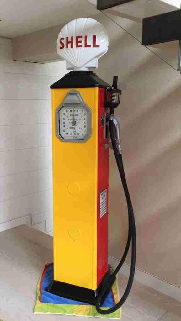 Fully Restored 1930's Avery Hardoll 288 Petrol Pump in Shell Livery by UK Restoration