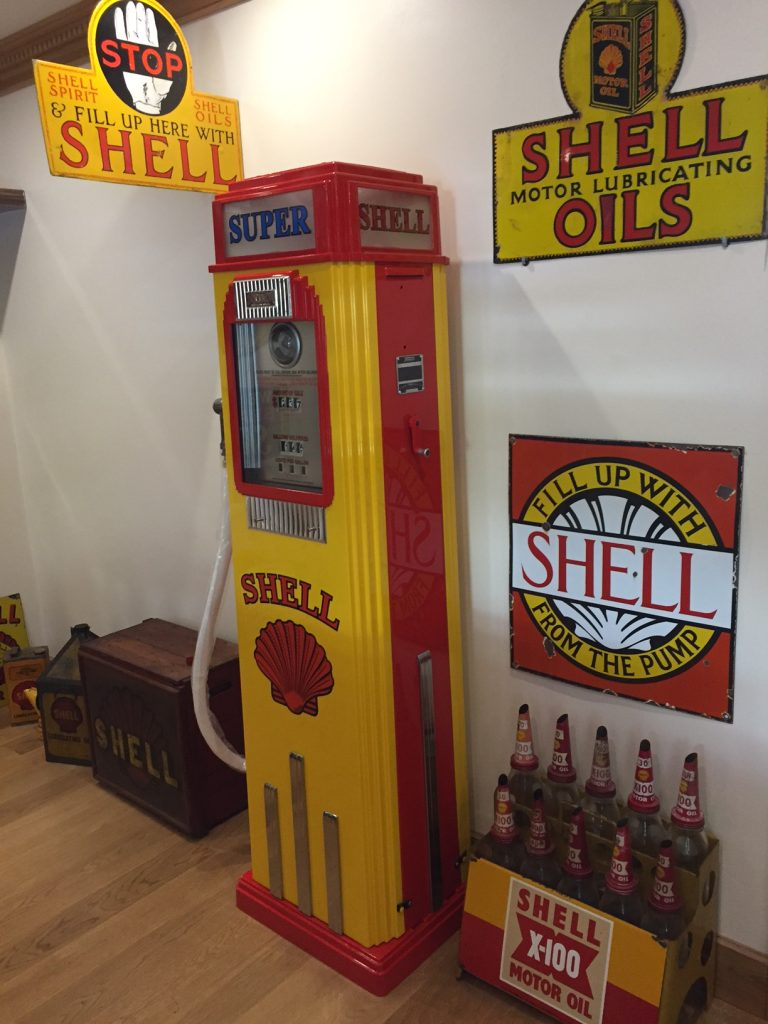 UK Restoration's Tokheim 36b Petrol Pump in Shell Livery