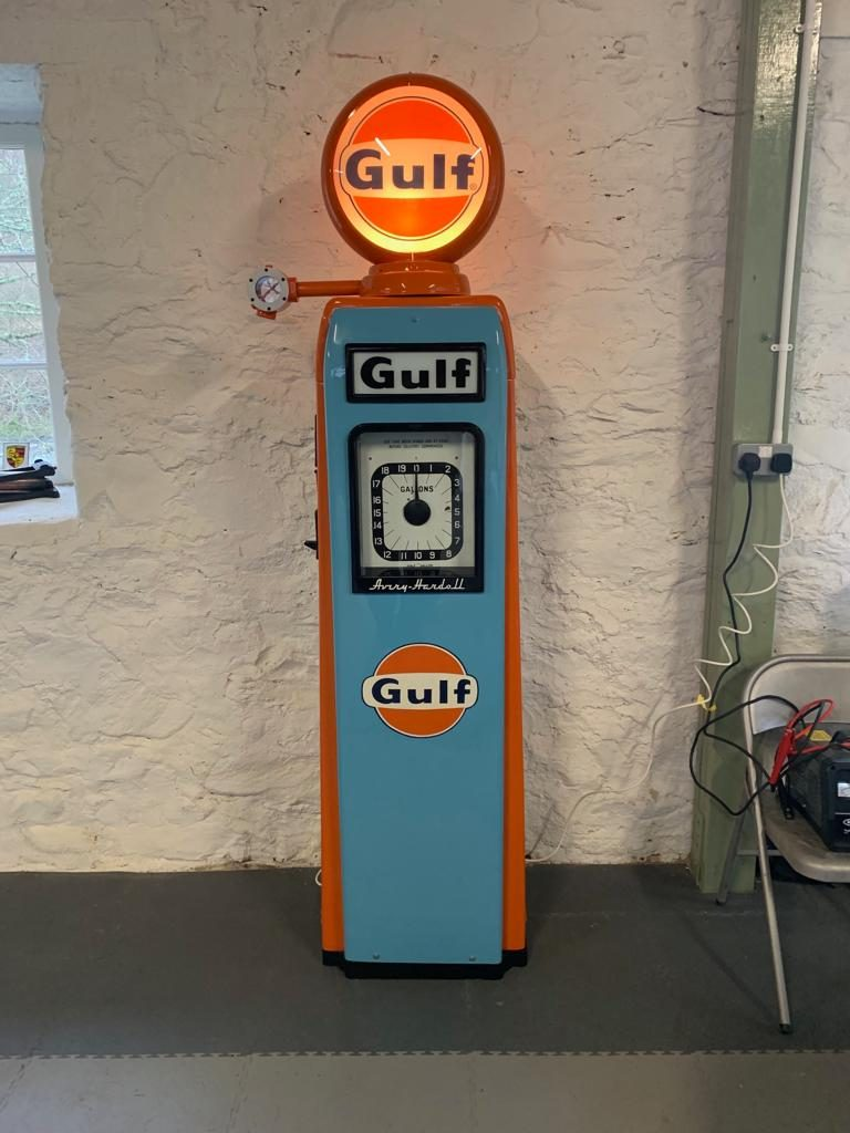 UK Restoration's Avery Hardoll 101 Petrol Pump in Gulf Livery