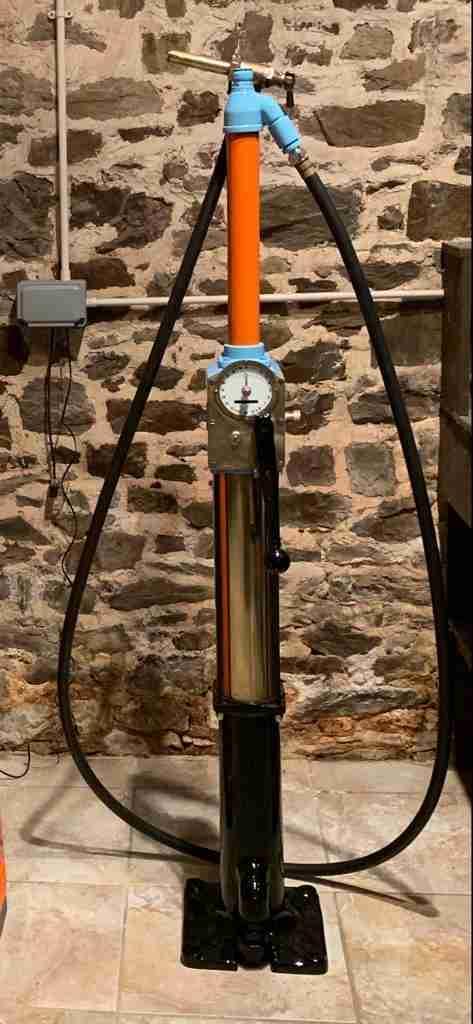 UK Restoration's Avery Hardoll CH1 Petrol Pump in Gulf Livery