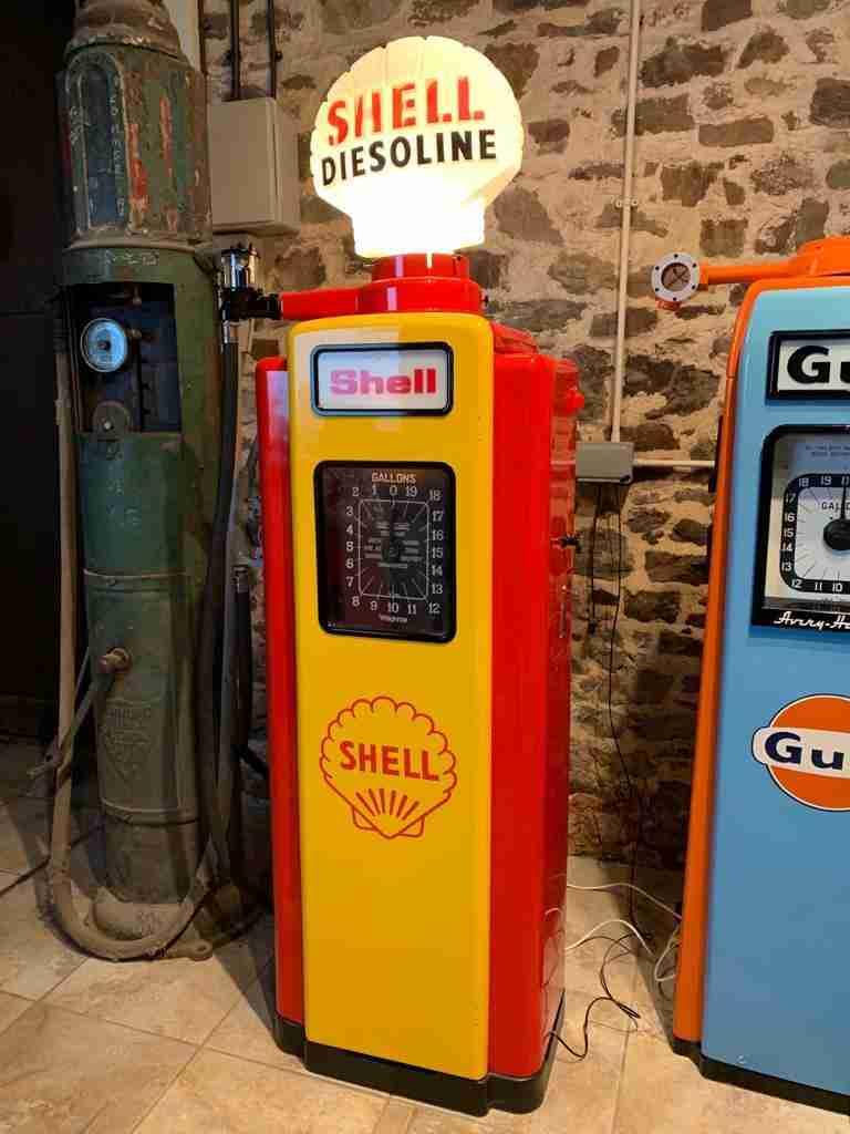 UK Restoration's Restored Wayne 70 Petrol Pump4