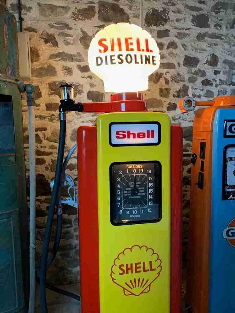 UK Restoration's Restored Wayne 70 Petrol Pump6