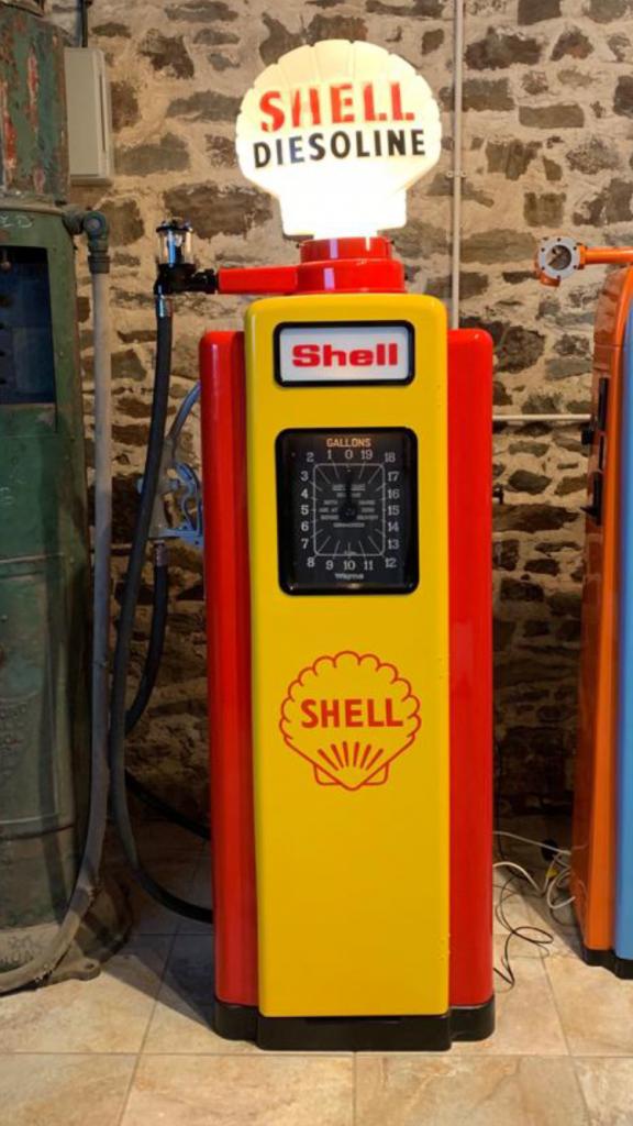 UK Restoration's Restored Wayne 70 Petrol Pump