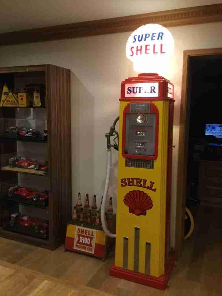 UK Restoration's Tokheim 36B Restored Petrol Pump in Shell Livery