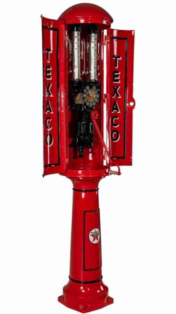 UK Restoration's Restored Satam Cabinet Petrol Pump in Texaco Livery