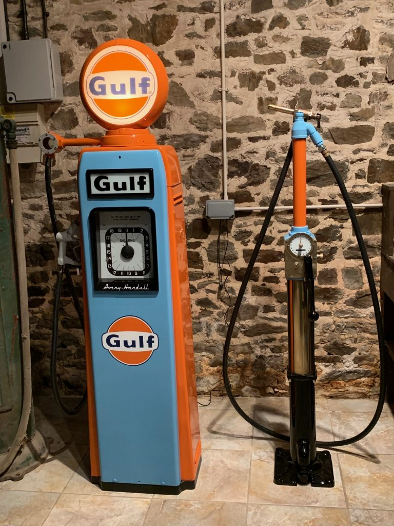 UK Restoration's Avery Hardoll Petrol Pump in Gulf Livery and Avery Hardoll CH1 Petrol Pump in Gulf Livery