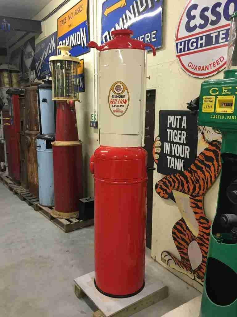 Fully Restored Glibert & Barker Model 65 Petrol Pump in Gilmore Livery by UK Restoration