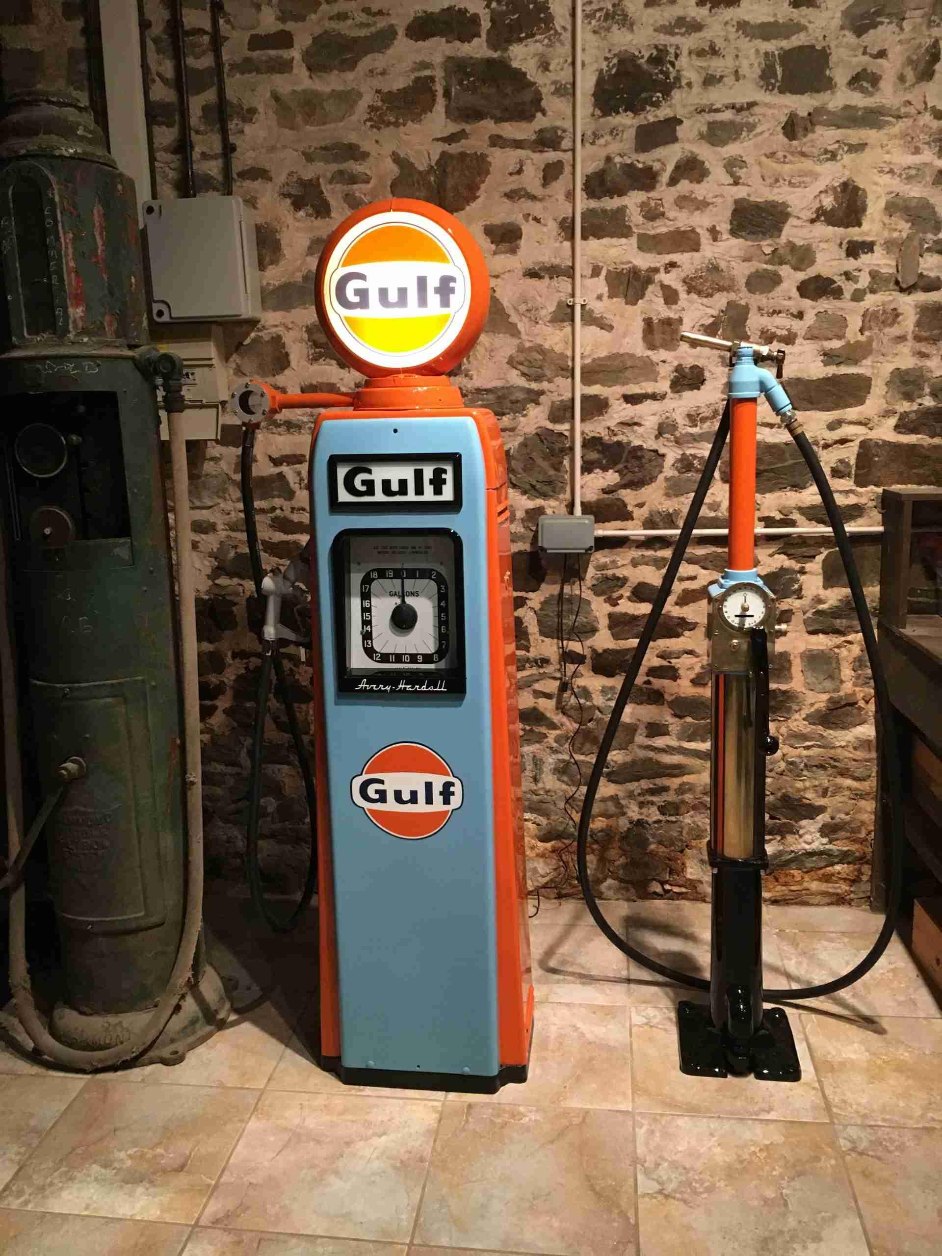 UK Restoration's Restored Avery Hardoll Petrol Pump in Gulf Livery